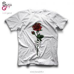 تی شرت سفید طرح Holding a Rose